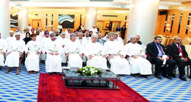 السلطنة تستضيف حلقة عمل حول «تطوير قدرات الكوادر المعنية بمعايير العمل الدولية والعربية»