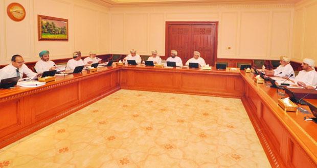 قانونية الدولة تواصل مناقشة مشروع قانون الجزاء العماني