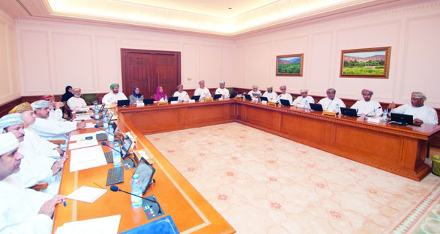 لجنة التعليم والبحوث بالدولة تناقش آليات ومعايير طرح البرامج التقنية