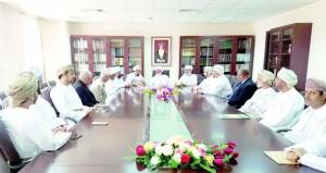 رئيس المحكمة العليا يتابع سير العمل بمحاكم ظفار