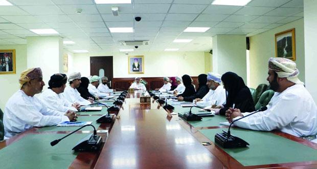 رئيس مجلس الدولة يلتقي برئيس وأعضاء اللجنة العمانية لحقوق الإنسان