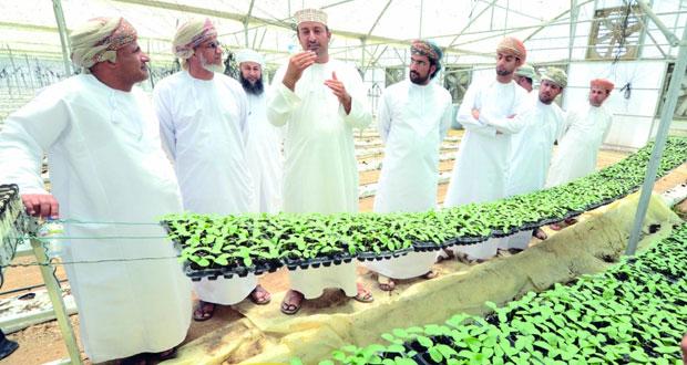 اختتام أعمال دورة تدريبية في مجال اقتصاديات الزراعة المحمية بالداخلية
