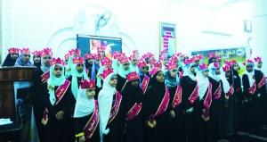 تكريم أكثر من 200 حافظ وحافظة للقرآن الكريم بجامع عمر الرواس
