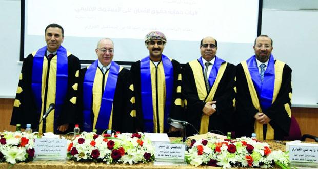 باحث عماني يحصل على شهادة الدكتوراه فـي القانون العام من جامعة الشارقة