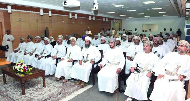 أعضاء مجلس الشورى يطلعون على إجراءات شركة تنمية نفط عمان لمجابهة انخفاض أسعار النفط