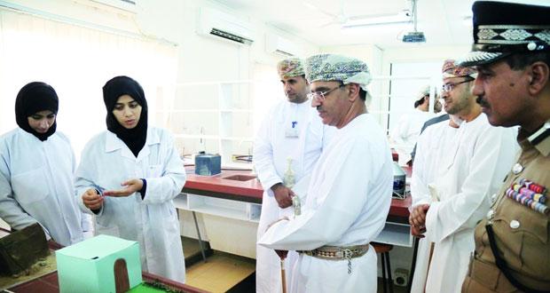 تدشين مشروع تطوير مختبرات التقنية الحيوية التطبيقية بتطبيقية صور