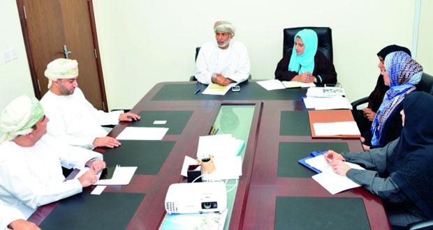 مناقشة آلية تفعيل عضوية السلطنة في البرنامج الدولي لتنمية الاتصال باليونسكو وتدريب الصحفيين عملياً ونظريا