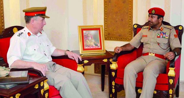 النبهاني ومطر البلوشي يستقبلان رئيس الاركان العامة للجيش البريطاني