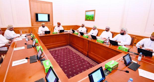 لجنة الشباب بالشورى تستعرض وسائل تمكين الشباب العماني للمساهمة في التنمية المستدامة