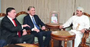وزير المكتب السلطاني يستقبل وزير الخارجية البريطاني ورئيس هيئة أركان الدفاع البريطاني
