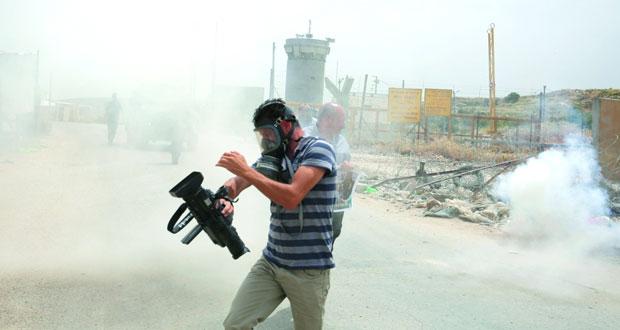 صحفيون فلسطينيون يعتصمون وتوثيق 108 انتهاكات للاحتلال ضدهم منذ بداية العام