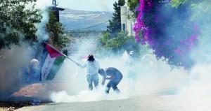 قوات الاحتلال تصعد من ممارساتها القمعية والإرهابية بحق الفلسطينيين