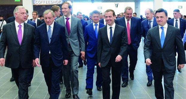 رئيس المفوضية الأوروبية يحضر منتدى اقتصاديا في روسيا الشهر المقبل
