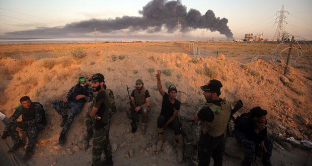 القوات العراقية تبدأ تحرير الفلوجة .. وقذائف على (الخضراء)