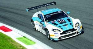 فريق عمان لسباقات السيارات يرفع رايه التحدي مع انطلاق الجولة الثانية لكأس بلانك بان للتحمل