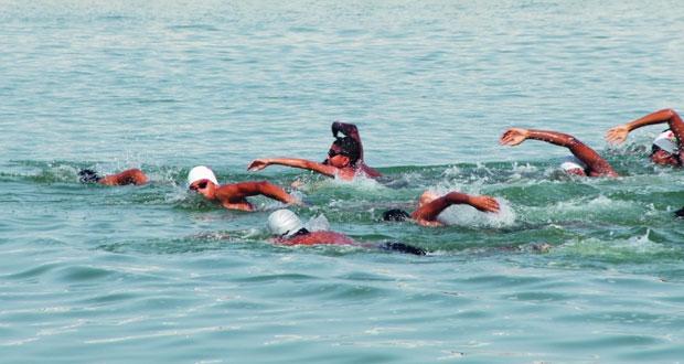 المصنعة احتضنت منافسات بطولة عمان العاشـرة للسباحة بالمياه المفتوحة