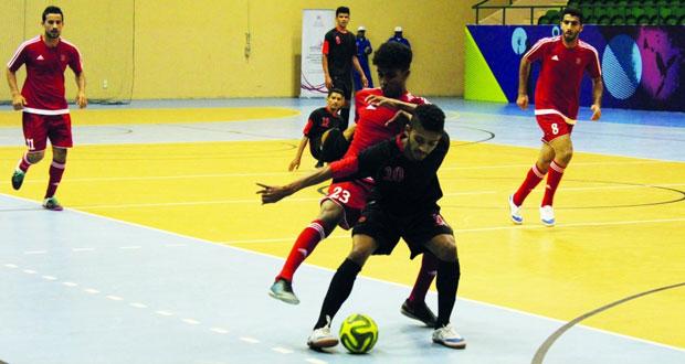 خماسيات كرة قدم الصالات الصراع يحتدم بين الفرق المشاركة وصناعة الكابلات العمانية عازم على الاحتفاظ بلقبه