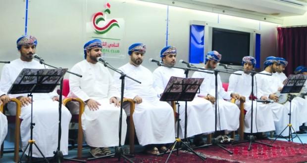فرقة «أريج الفنية» تقدم أمسيتها الإنشادية الثانية بالنادي الثقافـي