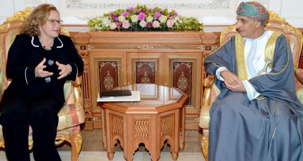 جلالة السلطان يتلقّى رسالة خطية من ملك هولندا