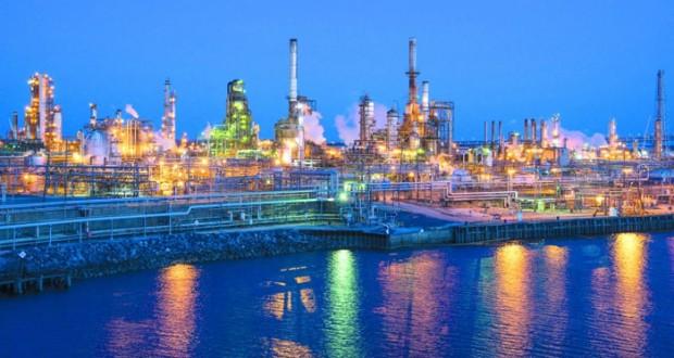 نفط عمان ينخفض بمقدار «55» سنتا مغلقا فوق 46 دولارا والنفط يصعد مع ترقب المستثمرين نتيجة استفتاء بريطانيا