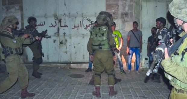 الاحتلال يصعد أعمال (البلطجة) في الضفة وينكل بالأسرى في سجونه