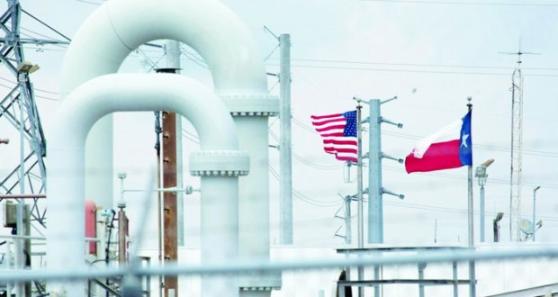 نفط عمان بـ(48.06) دولار.. والنفط يتراجع بفعل ارتفاع الدولار