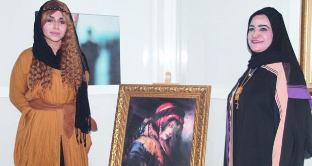 افتتاح معرض الفنانتين جميلة الزدجالية وسحر كاشفي