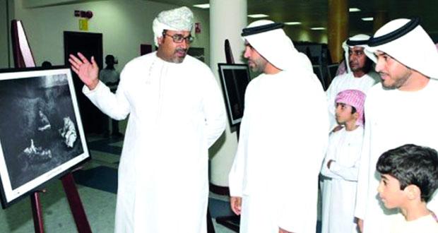 """مشاركة عمانية بمعرض """"قراءة و صورة"""" في الإمارات"""