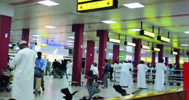 أكثر من 5 ملايين مسافر عبر مطاري مسقط وصلالة بنهاية مايو الماضي