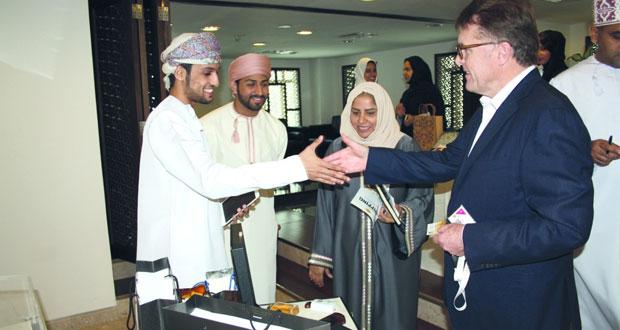 180 مشروعًا عمانيًا في المرحلة النهائية من مسابقة سوق الميناء