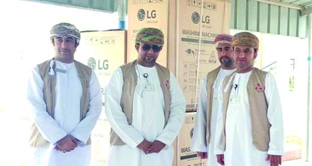 """برنامج """"تضامن"""" من بنك مسقط يقدم الدعم للأسر العمانية بالداخلية"""