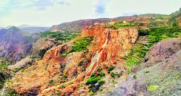 الجبل الأخضر وجهة سياحية فريدة بأجواء معتدلة صيفا وباردة شتاء