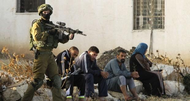 الاحتلال يعربد ويحاصر ويعتقل ويمنع دخول الفلسطينيين إلى القدس