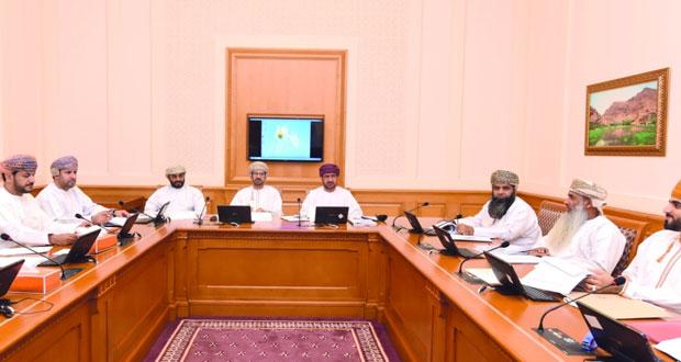 اللجنة التشريعية والقانونية بالشورى تناقش مشروع قانوني الجزاء العماني والإسكان الاجتماعي