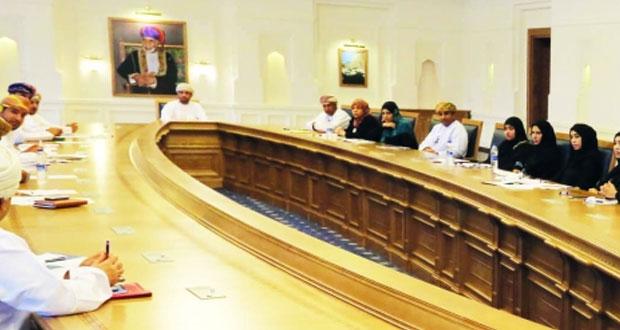 التعليم العالي تحذرالطلبة العمانيين من الدراسة في بعض الجامعات الوهمية بالخارج