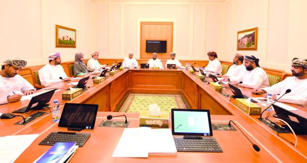 لجنة الشباب بالشورى تستضيف رئيس الأولمبياد الخاص العماني وعدد من المسؤولين بالمجلس الأعلى للتخطيط