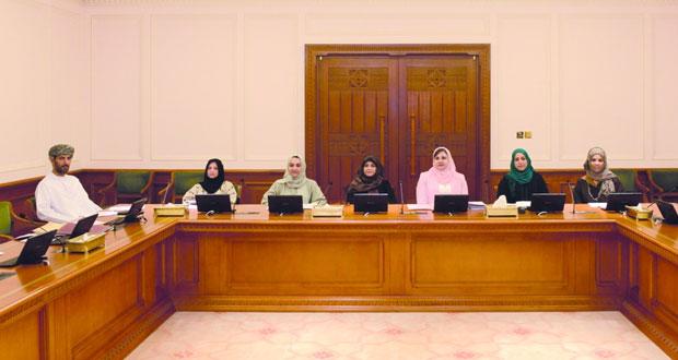 """فريق العمل الخاص بـ """"تطوير دور جمعيات المرأة"""" يقر تقريره النهائي ويرفعه إلى رئيس مجلس الدولة"""