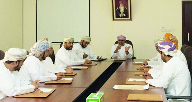 لجنة الشؤون البلدية بشناص تنظر في عدد من الموضوعات الخدمية بالولاية