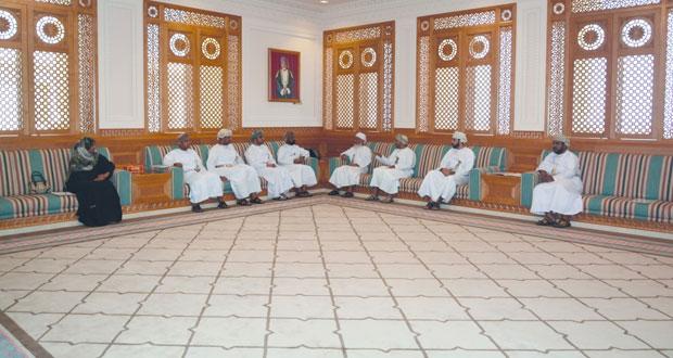 رئيس المحكمة العليا يلتقي بأعضاء اللجنة العمانية لحقوق الإنسان