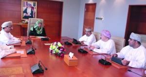 وزيرة التعليم العالي تترأس إجتماع مجلس أمناء كليات العلوم التطبيقية