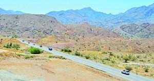 مطالبات لإنشاء طريق مزدوج بين مسقط السريع والطريق المؤدي إلى الداخلية مرورا بمصنع الأسمنت