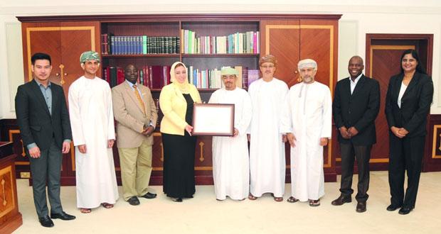 جامعة السلطان قابوس تحتفي بحصول كلية التمريض على الاعتماد الأكاديمي من هيئة الاعتماد الأميركية (ACEN)