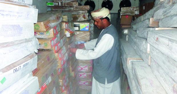 بلدية مسقط تكثف الحملات التفتيشية عللى الأغذية خلال شهر رمضان المبارك