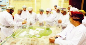 أعضاء بلدي مسقط يزورون الشورى