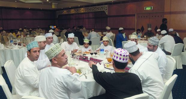 المؤسسة العمانية للصحافة والطباعة والنشر والتوزيع تقيم حفل الإفطار السنوي لموظفيها