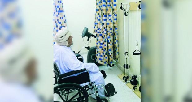 تدشين وحدات العلاج الطبيعي لبرنامج رعاية المسنين بالظاهرة