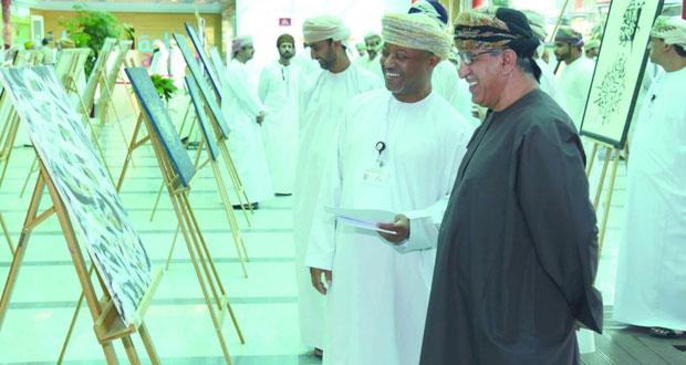 مجلس ميثاق يستضيف وزير الصحة وينظم معرضا خيريا للخط العربي لصالح مراكز الوفاء للإعاقة