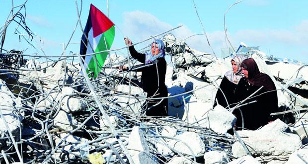 الاحتلال الإسرائيلي يواصل حصار يطا ويهدم منزل الطفل الأسير أدعيس