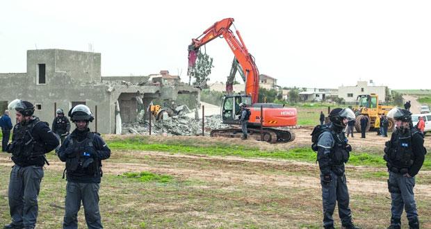 آليات الاحتلال تدمر العراقيب مجددا .. و12 ألف منزل في الداخل المحتل مهدد بالهدم