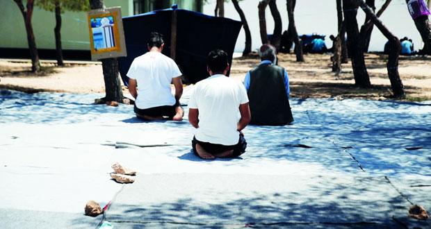 أزمة اللاجئين : مخاوف من غرق مئات المهاجرين قبالة جزيرة كريت وتركيا تتمسك بموقفها بشأن (اتفاق التأشيرة)